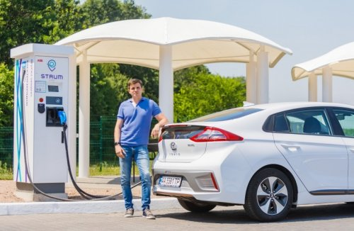 DTEK connected Kyiv and Odessa with a network of high-speed charging stations STRUM
